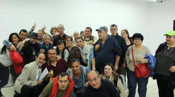 """La compañía Inestable de teatro """"La Atómica"""" de la asociación Albero Artesanos actuó en el IES Berenguer Dalmau"""