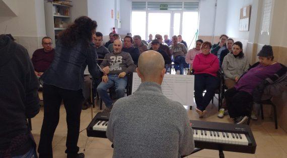 Ensayo del coro de la Asociación Albero