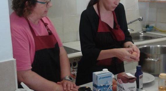 Taller de tartaletas de crema con fresas