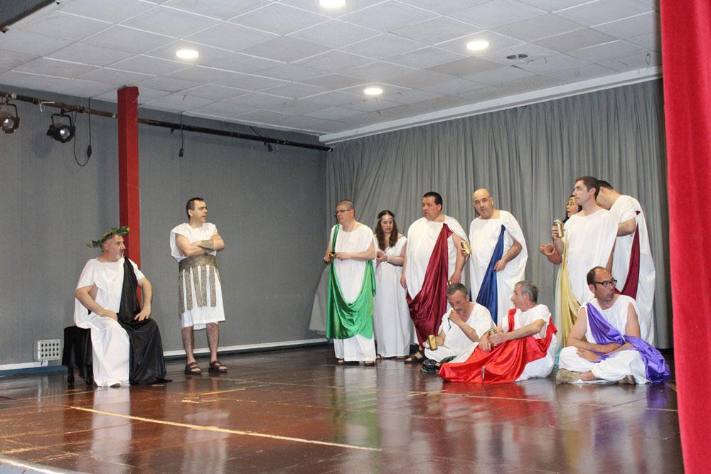 Teatro la atómica en IES Berenguer Dalmau 5