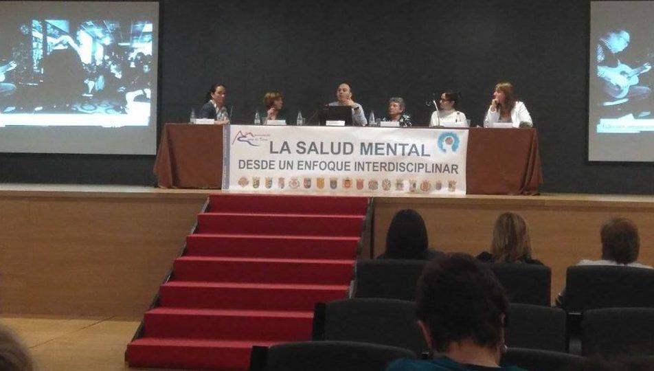 Albero artesanos participa en la mesa redonda «La salud mental desde un enfoque interdisciplinar» en el edificio multiusos de Llíria.